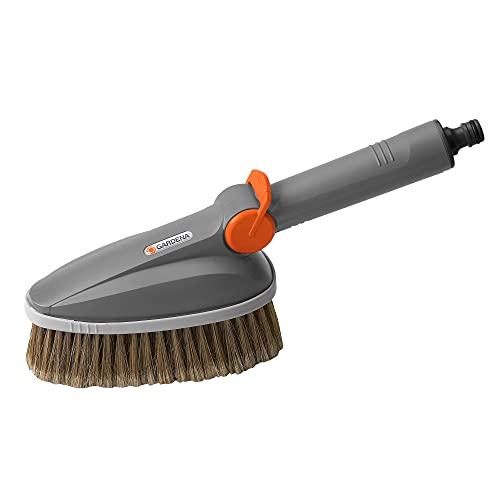 Gardena Handwaschbürste: Wasserführende Reinigungsbürste für das Cleansystem, ideal zur Reinigung von Gartenmöbeln und Fahrzeugen (5574-20)