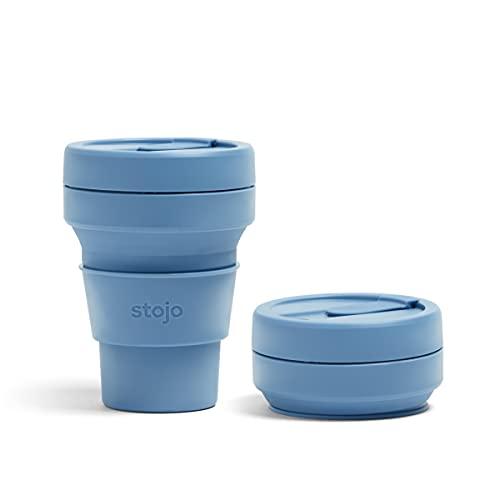 Stojo On The Go zusammenfaltbarer Kaffeebecher   Zusammenfaltbarer Silikon-Reisebecher in Taschengröße   Brooklyn Collection – 355 ml Steel Blue