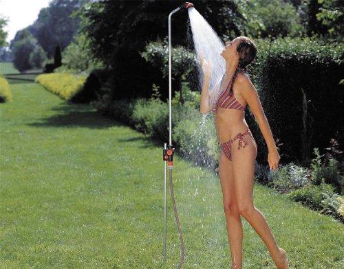 GARDENA Gartendusche solo: Dusche mit angenehmem Brausestrahl, Wassermenge stufenlos regulierbar und absperrbar, stufenlose Höhenverstellung bis 207 cm, mit Spike...