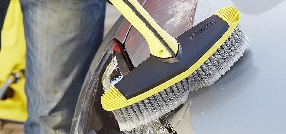Car brush